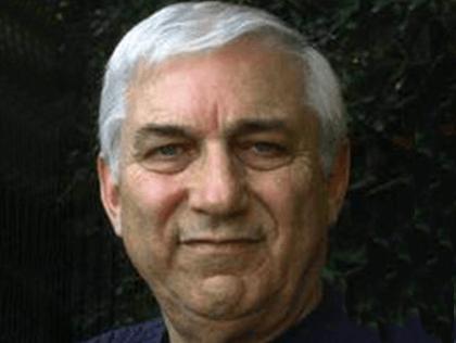 Арнольд Хольцман